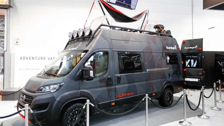 Abenteuer extrem: Sunlight präsentiert CLIFF 4x4 Adventure Van Concept Car
